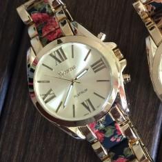 NOU Ceas de dama metalic auriu elegant curea imprimeu floral negru rosu GENEVA