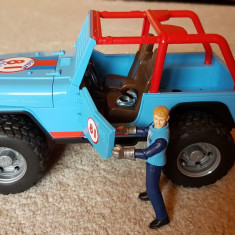 Masina albastra de teren cu sofer Bruder - Masinuta Altele