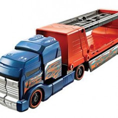 Jucarie Hot Wheels Crashing Big Rigs Red Truck Mattel