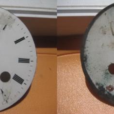 Cadran mare vechi portelan pt. ceas cu 2 chei. Diam. 9.5 cm.