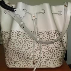 Super ocazie! Vand geanta de umar Musette, model Cynthia nou nouta - Geanta Dama, Culoare: Ivoire, Marime: Medie