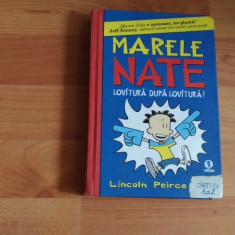 MARELE NATE -LOVITURA DUPA LOVITURA-LINCOLN PIERCE - Carte personalizata