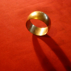 INEL DE AUR - FALS, marcat 585 (14K) d.interior =2cm, 7, 2 g probabil bronz aurit, Marime: 22