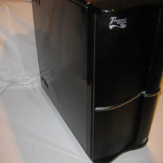 Carcasa pc TOWER THERMALTAKE, stare buna, dvd rw inclus, 2 x fan 12 cm, Full tower