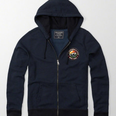 ABERCROMBIE & FITCH HANORAC Graphic Full-Zip - Hanorac barbati Abercrombie & Fitch, Marime: S, Culoare: Bleumarin