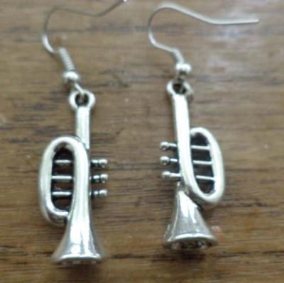 Cercei argintii trompete 3D foto