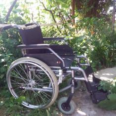 Carucior scaun cu rotile pliabil