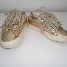Pantofi casual fete Zara Girls, marimea 30, stare buna! - Tenisi copii Zara, Culoare: Auriu, Auriu