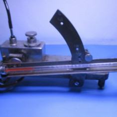 Micromanometru vechi de colectie laborator microscopie microscop functional