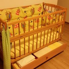 Patut copil cu o latura rabatabila si sertar.Bonus laterale protectie, 2 saltele - Patut lemn pentru bebelusi, 120x60cm, Maro
