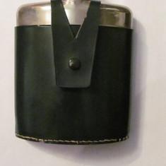 PVM - Plosca mai veche pentru bauturi alcoolice / plastic metal piele