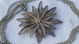 Medalion argint DIADEMA floare filigran VIENEZ 1900 vechi VINTAGE pe Lant argint