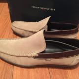 Vand pantofi/mocasini marca Tommy Hilfiger (marimea 43)