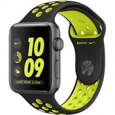Watch 2 Nike Plus Aluminiu Gri 38MM Si Curea Silicon Negru Verde - Smartwatch Apple