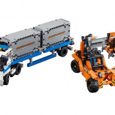 LEGO Technic - Transportoare de containere 42062