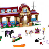 LEGO Friends - Clubul de calarie din Heartlake 41126
