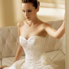Rochie mireasa La Sposa cu crinolina si voal, Rochii de mireasa A-line