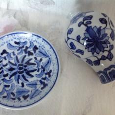 Set de doua obiecte decorative din portelan China