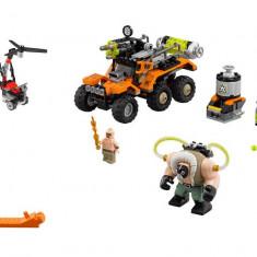 LEGO Batman Movie - Atacul cu camionul toxic al lui Bane 70914