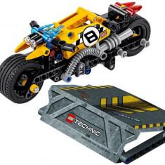 LEGO Technic - Motocicleta de cascadorie 42058