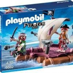 Pluta cu pirati