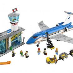 LEGO City - Terminalul pentru pasageri de pe aeroport 60104