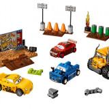 LEGO Juniors - Cursa nebuneasca de la Thunder Hollow 10744