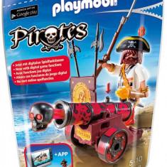 Pirat cu tun rosu