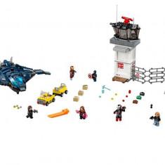 LEGO Marvel Super Heroes - Batalia de la aeroportul Super Heroes 76051