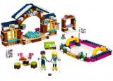 LEGO Friends - Patinoarul statiunii de iarna 41322
