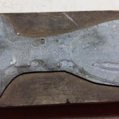 MATRITA VECHE DIN ZINC PENTRU TIPAR - REPREZINTA UN OBIECT DE CULT CRESTIN - Metal/Fonta