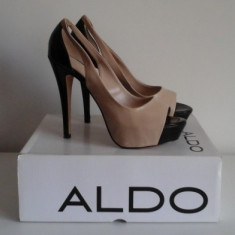 Pantofi Aldo decupati din piele ecologica lacuita in 2 culori ( bej/negru ) - Pantof dama Aldo, Culoare: Din imagine, Marime: 40, Cu toc