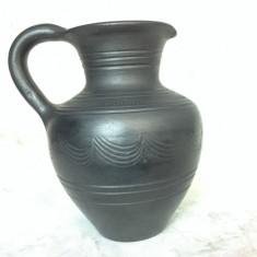 Vechi canceu din ceramica neagra maghiara, semnat MJ Mohacs - Arta Ceramica