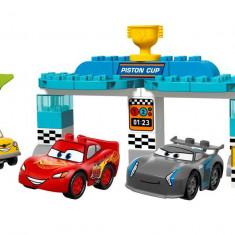 LEGO Juniors - Cursa pentru Cupa Piston 10857