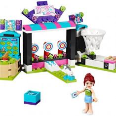 LEGO Friends - Sala de jocuri din parcul de distractii 41127