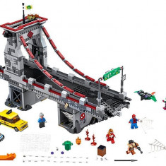LEGO Marvel Super Heroes - Omul Paianjen: Lupta suprema de pe pod a razboinicilor Web 76057