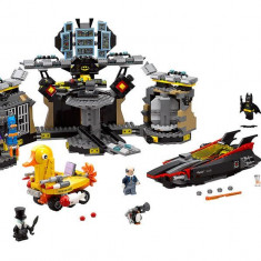 LEGO Batman Movie - Patrunderea in Batcave 70909