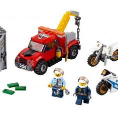 LEGO City - Cazul camionul de remorcare 60137