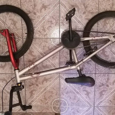 Bmx b twin x-up decathlon - Bicicleta BMX, 19 inch, 20 inch, Numar viteze: 1