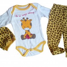 Set 3 piese - body, pantaloni si caciulita - model girafa - 62 cm si 68 cm