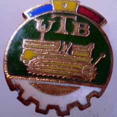 I.118 INSIGNA ROMANIA AUTO UTB UZINA TRACTORUL BRASOV TRACTOR V1 h19mm email