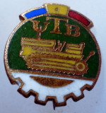 I.052 INSIGNA ROMANIA AUTO UTB UZINA TRACTORUL BRASOV TRACTOR V1 h19mm email