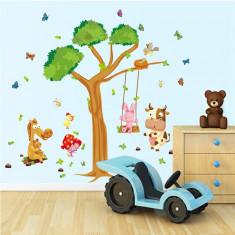 Sticker decorativ copii – Joacă în pădure
