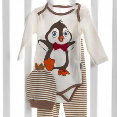 Set 3 piese - body, pantaloni si caciulita - model pinguin - 62 cm si 68 cm