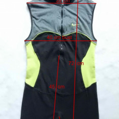 Costum / dres baie Nike; marime M (38/40), vezi dimensiuni; impecabili, ca noi, Culoare: Din imagine, Marime: XL