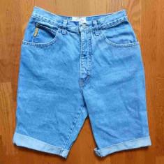 Blugi Armani Jeans Made in Italy; marime 30, vezi dimensiuni exacte; impecabili - Bermude barbati, Culoare: Din imagine