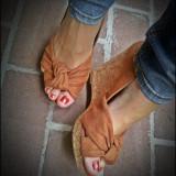 Pantofi platforma H&M maro tip piele intoarsa varf decupat 39