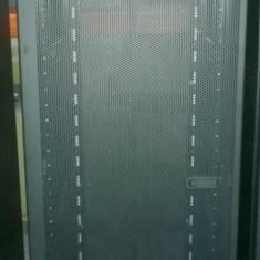 Cabinet Rack Server IBM 9361, 42U