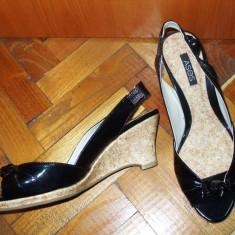 NOU Sandale ASOS pantofi negri lac varf decupat platforma 39