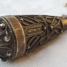 MASIV Medalion argint KABYLE TRIBAL BERBER cu CORAL superb UNICAT pe Lant argint - Bijuterie veche